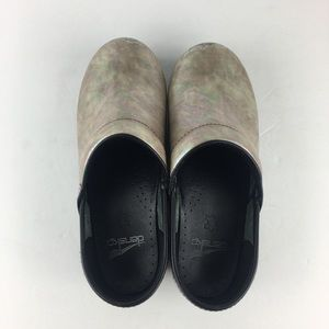 Dansko Shoes - Iridescent Silver Clogs Size 37/7.